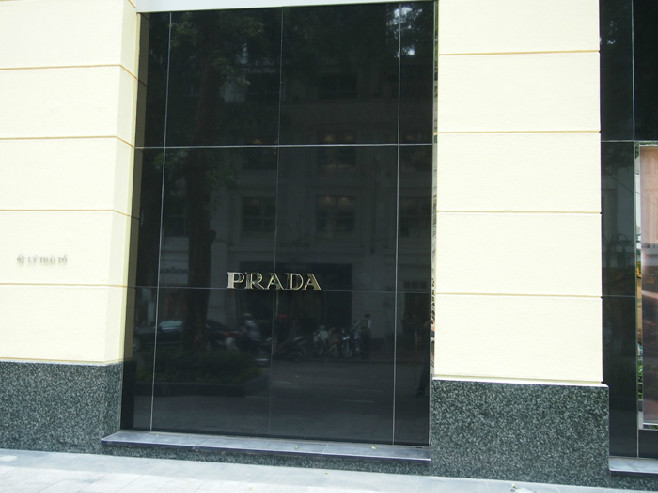 Prada-05